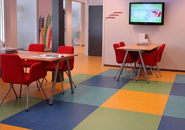 Mondzorg Midden Drenthe gebruikt Neowax voor vloeronderhoud